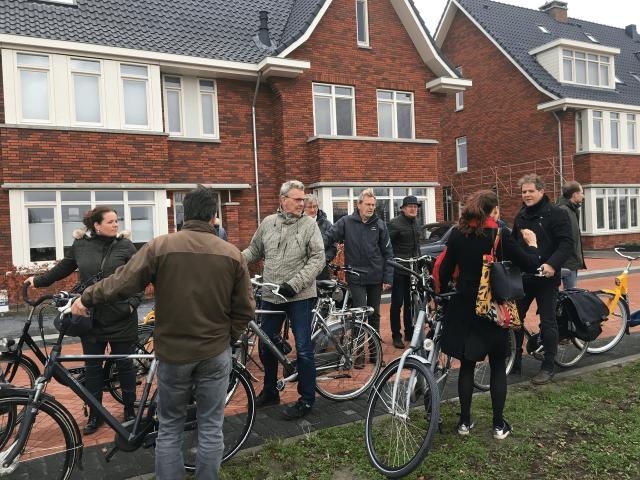 Werkgroep op de fietsexcursie door Pijnacker